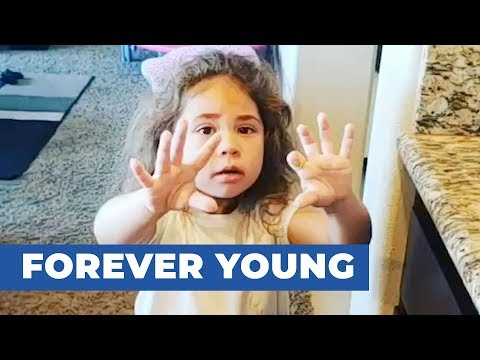 Dad Tells Toddler She's Older After Getting Pruney Hands