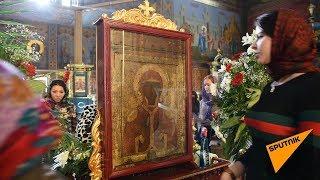 Люди идут потоком: чудотворную икону привезли в Казахстан