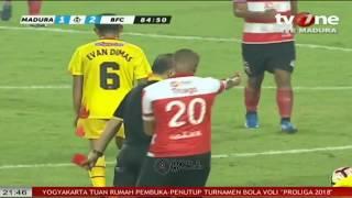 Download Video Semua Pemain Dikartu Merah Liga1 Madura United vs Bhayangkara FC MP3 3GP MP4