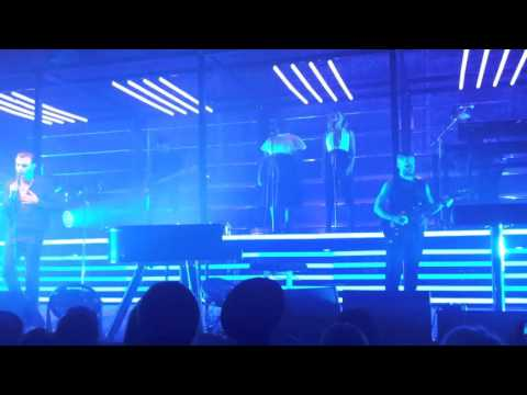 Hurts - Sunday. Live in Manchester 12/02/16