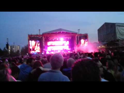 STONE ROSES - Love Spreads Live Finsbury Park 2013