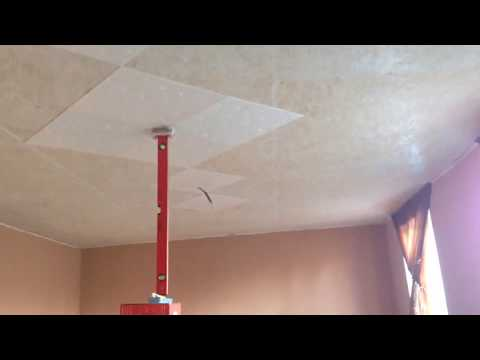 Как клеить плитку на потолок чтобы не держать?