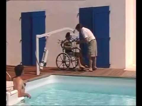 Souleve personne pour piscine aqualev pool lift youtube - Piscine pour personne handicapee ...