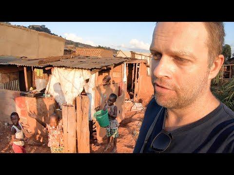 Slumsy Kampali - Uganda [4K]