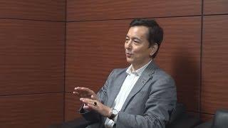 俳優で画家の榎木孝明さん(58)が5日、水戸市笠原町の茨城新聞社を訪...