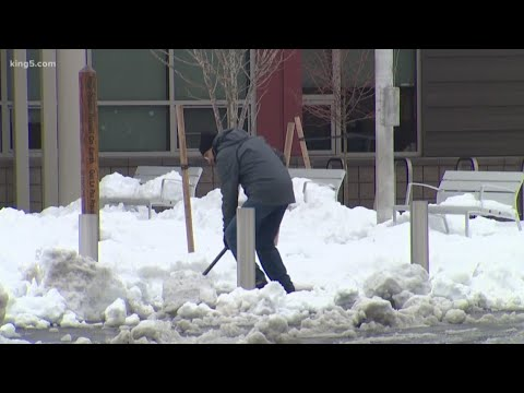 School districts decide whether to use a snow day
