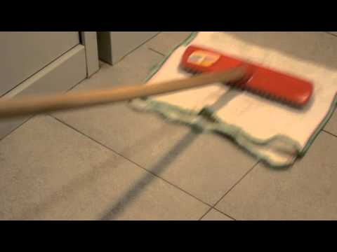 Come togliere le macchie ostinate dal pavimento youtube
