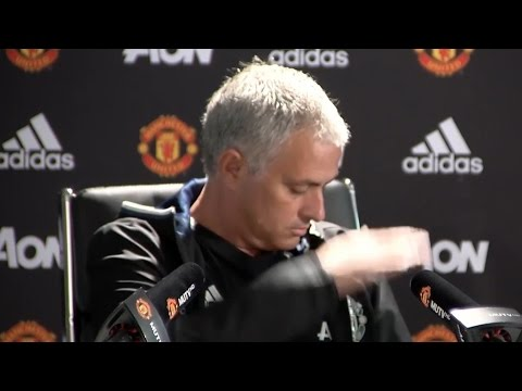 Jose Mourinho Defends Decision To Publicly Criticise Players - Manchester United v Leicester Presser
