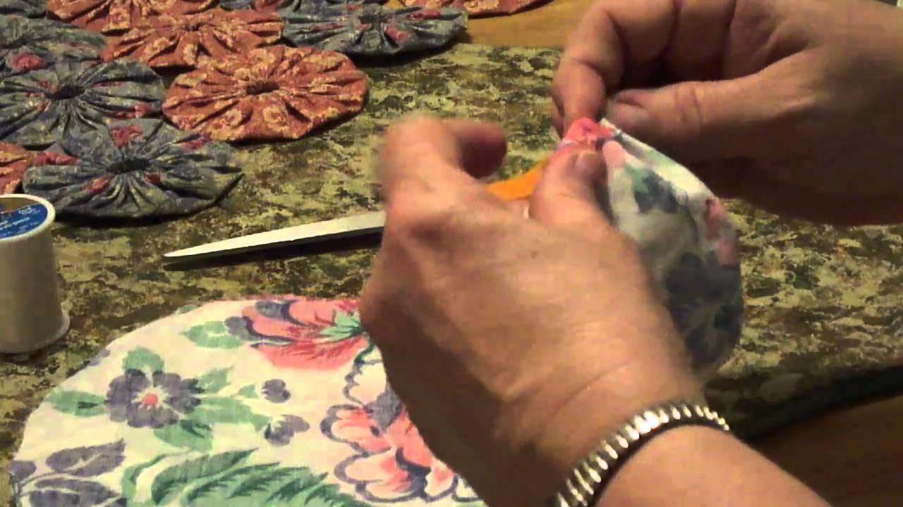 How To Make and Connect Basic Fabric Yo-Yo's - YouTube : yo yo quilts history - Adamdwight.com