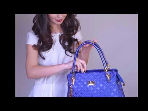 Giulia Meyer - The Blue Bag - by Clar Visator Studio