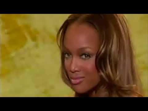 Victoria's Secret Fashion Show-Tyra Banks All Walks