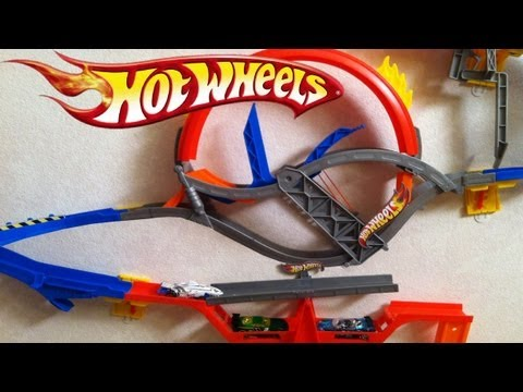 Hot Wheels Wall Tracks Epic Review Complete w/ 4 Playset Mattel Daredevil Curve, Drift Rally Spinout