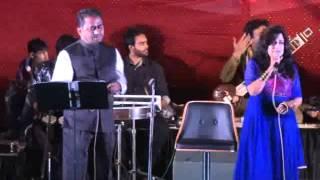 Dhire Dhire Bol Koi Sun Na Lem  - Film - Gora Aur Kala (Mukesh & Lata) Bella Sulakhe & Ashok Shastri