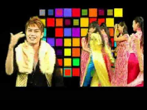 Áo dài xuân - ca sỹ Trang Nhung