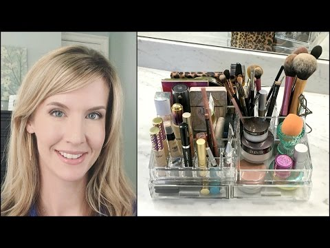 My Everyday Makeup Storage | Vanity Tour