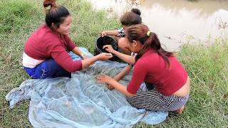 Amazing Fishing at Pailin Province - Cambodia Traditional Fishing - Khmer Net Fishing (Pa ...