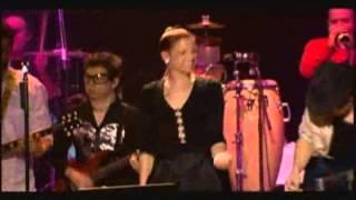 Play Flores De Alquiler (Live)