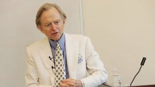 Best-selling writer Tom Wolfe dies at age 88
