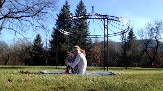 3 любими ЙОГА упражнения на Сана Алсбей-Драгова: Ogledai.se със Сана | Изкуството да живееш(В това кратко видео Сана Алсбей-Драгова ни запознава с от 3 любимите й йога упражнения. Практикувай ЙОГА..., 2015-12-17T20:42:15.000Z)