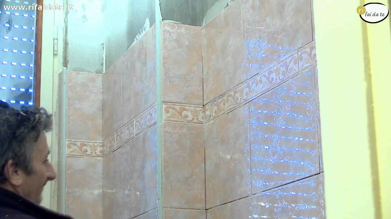 Come posare le piastrelle a parete parte 2 youtube for Quadri cucina leroy merlin