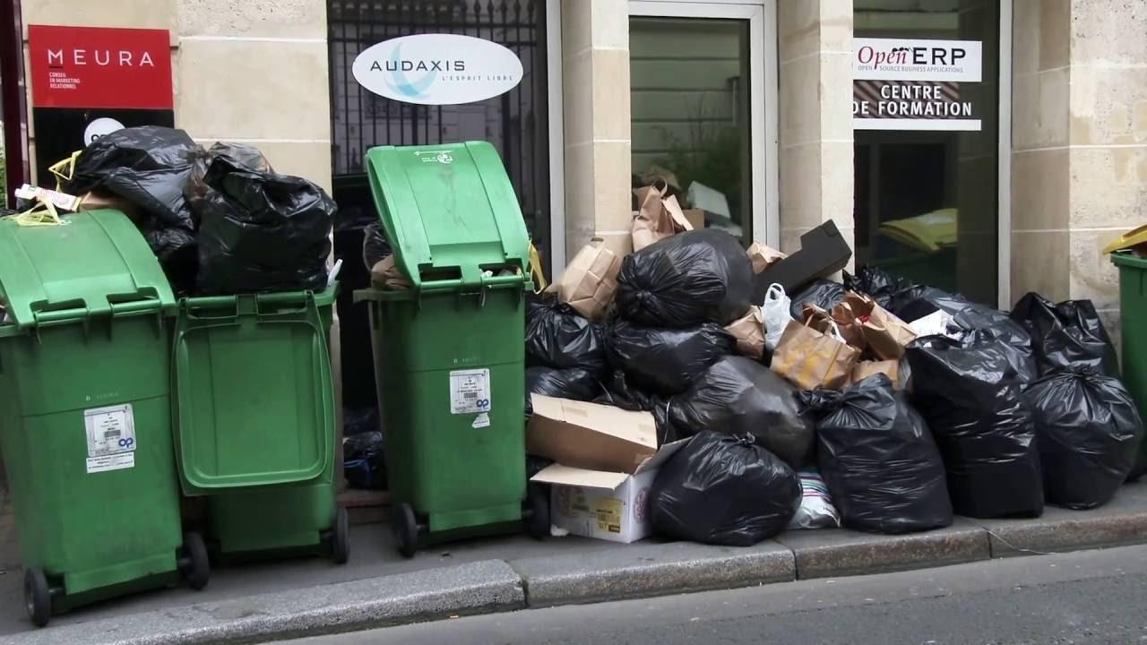 poubelle la vie boueurs en gr ve paris france 10 juin 2016 youtube. Black Bedroom Furniture Sets. Home Design Ideas