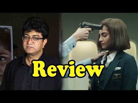 Prasoon Joshi Rates Sonam Kapoor's Performance In Neerja!