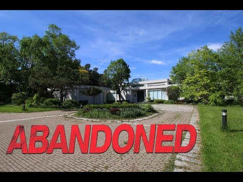 $10,000,000 Abandoned Mansion Stuck In The 1980s (10 Million Dollars)