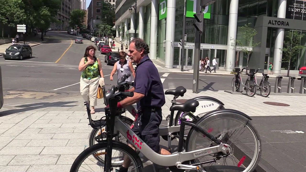 How BIXI redistribution works