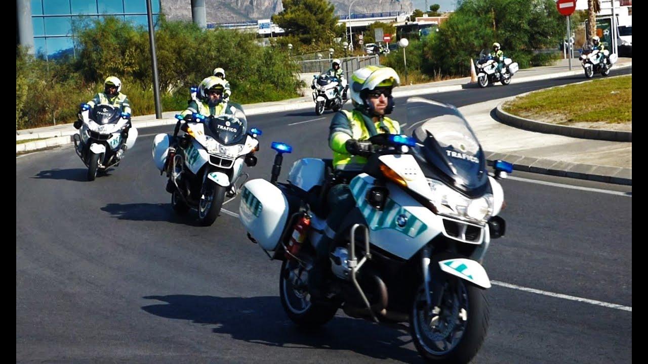 Guardia civil de tr fico caravana de motos youtube - Guardia civil trafico zaragoza ...