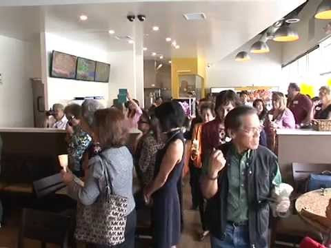 Goldilocks Brings Filipino Food & Culture to Cerritos, CA