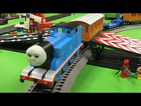 THOMAS THE TANK ENGINE VS DISNEY CARS Slot Cars vs Trains | Carrera Jump Track