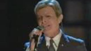 David Bowie - Life on Mars (at Fashion Rocks)
