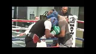 Floyd Mayweather sparring for the cotto fight pt.1
