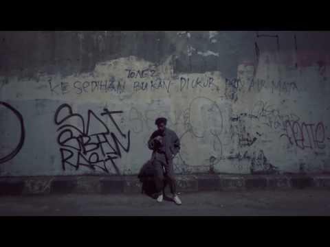 Bam Mastro - Idols (Lyric Video)