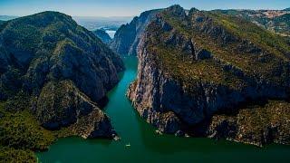 Gambar cover Türkiye'de bir doğa harikası Şahinkaya Kanyonu
