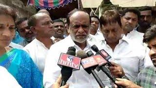 Telangana BJP President Laxman and RTC JAC Leaders Pays Tribute to Surender Goud