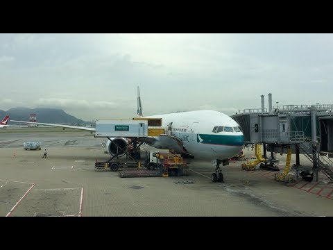 Cathay Pacific 777-300 business class Hong Kong to Singapore (flight review #17)