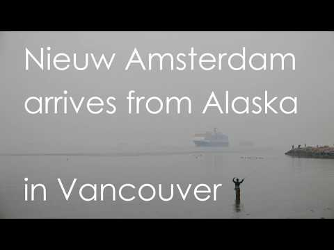 "Holland America ""Nieuw Amsterdam"" arrives from Alaska in Vancouver (01)"