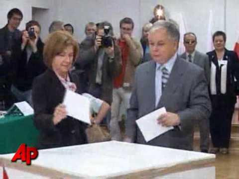 Poland's President Dies in Plane Crash