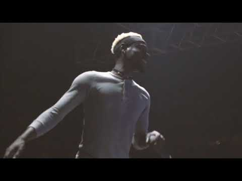 "xxxtentacion ""A Helping Hand"" Live Performance"