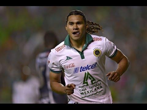 "Carlos ""Gullit"" Peña - Locomotora Mexicana - Road To Brazil 2014"