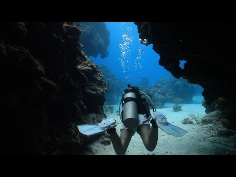 Scuba Diving at Devils Grotto, Grand Cayman