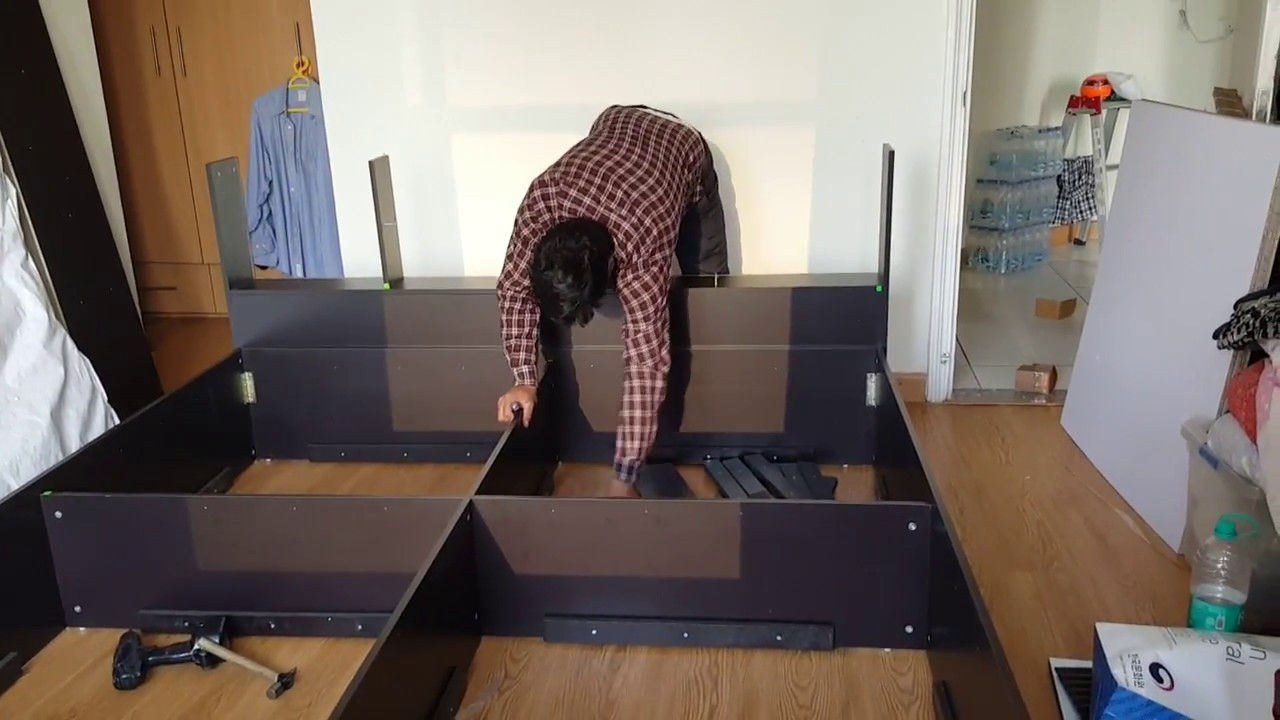 Kids Soo Assembling Hometown Furniture King Size Bed 0 5lakh
