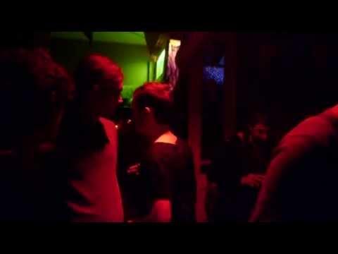 sving-klubi-berlin-chto-eto-porno-video-muzh-s-neznakomim-trahnul-zhenu