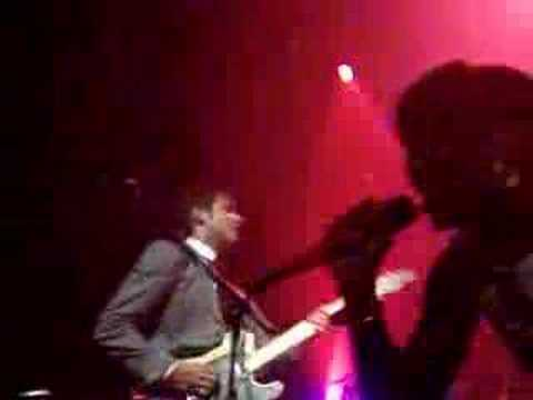 Mark Ronson & Santogold 'Pretty Green' LIVE In NYC