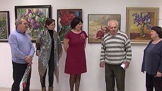 «Цветы умеют говорить»: художники подарили курянам букет натюрмортов
