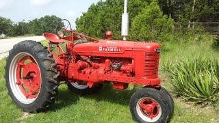 1940 Farmall H Antique Tractor in Action