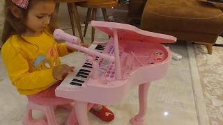 piyanoelif mzik yapyor ok fonksiyonlu biz ok sevdik elenceli ocuk videosu