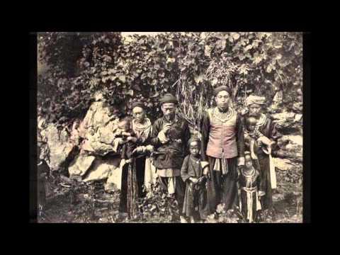 Peb Hmoob Yav Puag Thaum Ub - In The Old Days