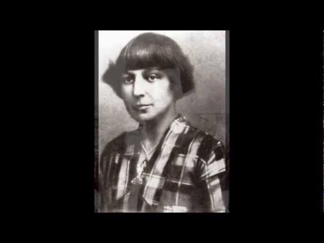 Изображение предпросмотра прочтения – ДианаСмирнова читает произведение «Так будет» М.И.Цветаевой